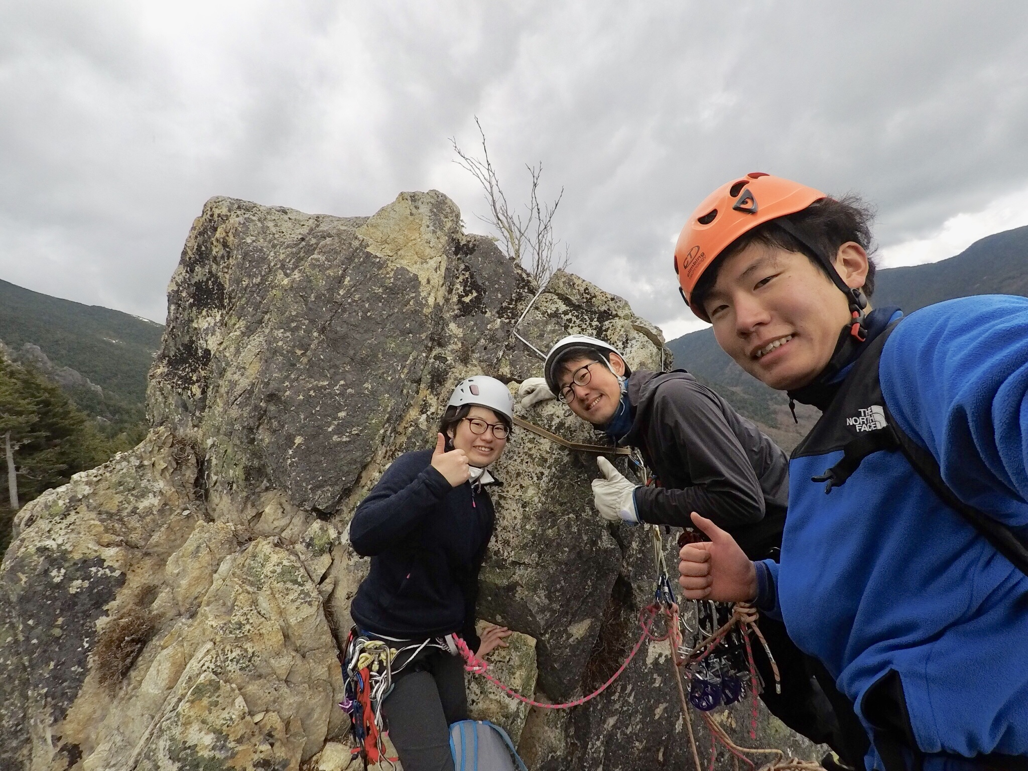 烏帽子岩左稜線